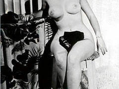 Nearly naked vintage pretty babes posing - XXX Dessert - Picture 5