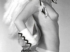 Nearly naked vintage pretty babes posing - XXX Dessert - Picture 6