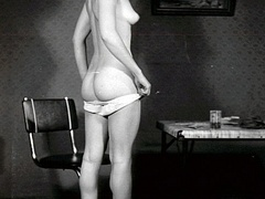 Nearly naked vintage pretty babes posing - XXX Dessert - Picture 9