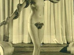 Nearly naked vintage pretty babes posing - XXX Dessert - Picture 11