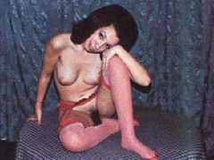 Beautiful vintage ladies are posing naked - XXX Dessert - Picture 6