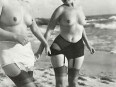 Multiple sexy vintage ladies posing naked - XXX Dessert - Picture 2