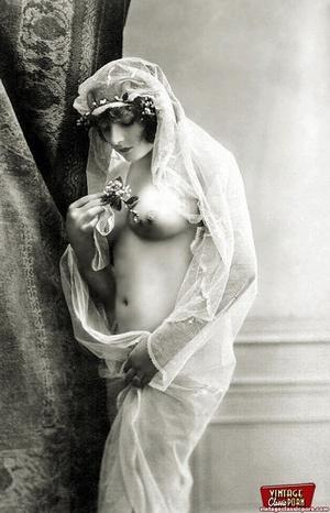 Daring vintage girls wear exotic costume - XXX Dessert - Picture 12
