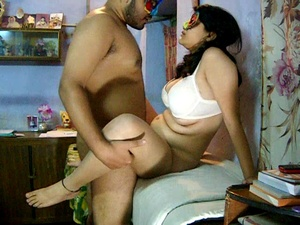 Curvy Indian housewife in a mask and bra getting her shaggy twat pounded - XXXonXXX - Pic 3