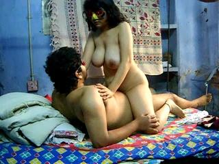 Chubby Indian housewife in a mask gets her bushy - XXXonXXX - Pic 3