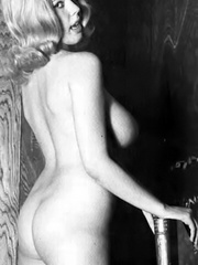 Irresistible blonde vintage cutie - XXX Dessert - Picture 7