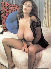 Here is the cutest classic porn beauties - XXX Dessert - Picture 9