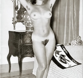 All natural hairy retro beauties exposing their…