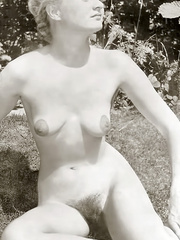 All natural hairy retro beauties exposing - XXX Dessert - Picture 6