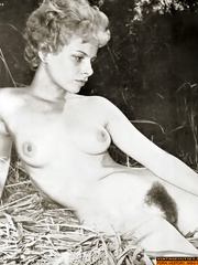 All natural hairy retro beauties exposing - XXX Dessert - Picture 7