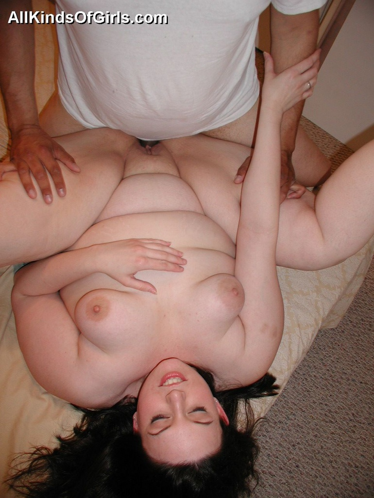 Sexy fat brunette housewife can't get enough of fucking - Picture 7
