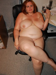 Adorable BBW redhead housewife with epic boobs exposing - Picture 11