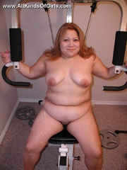 Nasty chubby mom spreads wide to expose her natural - Picture 3