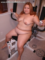 Nasty chubby mom spreads wide to expose her natural - Picture 4