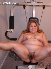 Nasty chubby mom spreads wide to expose her natural - Picture 5