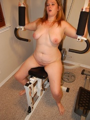Playful busty plumper SAPHIRE teasing all nude in her - Picture 5