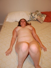 Playful busty plumper SAPHIRE teasing all nude in her - Picture 10