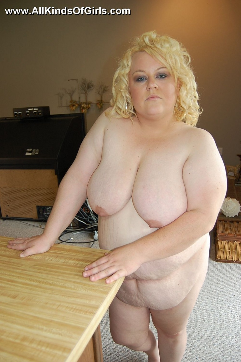 BBW busty blonde housewife Stacy walking totally nude at - Picture 12