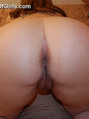Big boobed plump housewife taking off her blue bra and - Picture 10