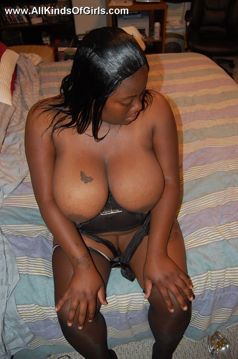 Giant tits plump ebony wife opens up so you can see - Picture 8