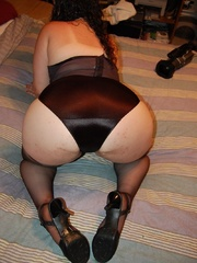 Sex hungry chubby mom in sexy black lingerie exposing - Picture 6