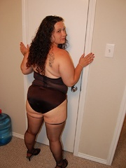 Sex hungry chubby mom in sexy black lingerie exposing - Picture 11