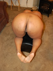 Lusty black chubby housewife spreading her legs wide sou - Picture 6