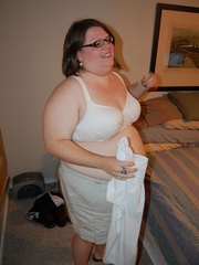 You've hever seen such horny super fat housewife with - Picture 3