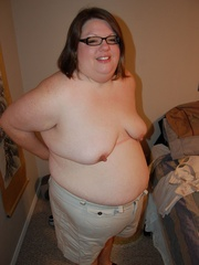 You've hever seen such horny super fat housewife with - Picture 4
