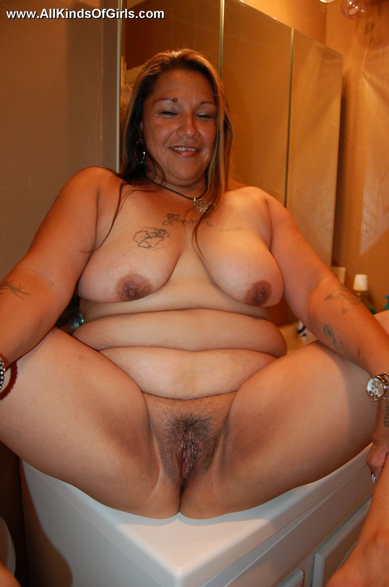 Chubby wife naked photo