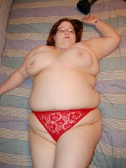 Busty BBW mom in tight red panties teasing in her - Picture 8