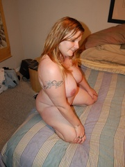 Busty plump milf with round booty wanna show you all she - Picture 10