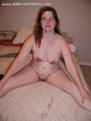 Shy chubby housewife taking off her red lace panties and - Picture 2