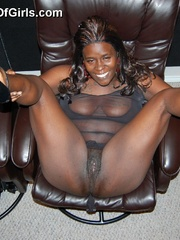 Busty black housewife has lovely mature pussy and huge - Picture 6