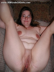 Shy chubby housewife taking off her red lace panties and - Picture 7