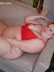 Pigtailed fat wife Debbie in red undies wants it badly - Picture 2