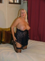 granny nylons adonna from
