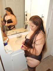 Mature mexican granny Sylvia loves being fucked by horny - Picture 1