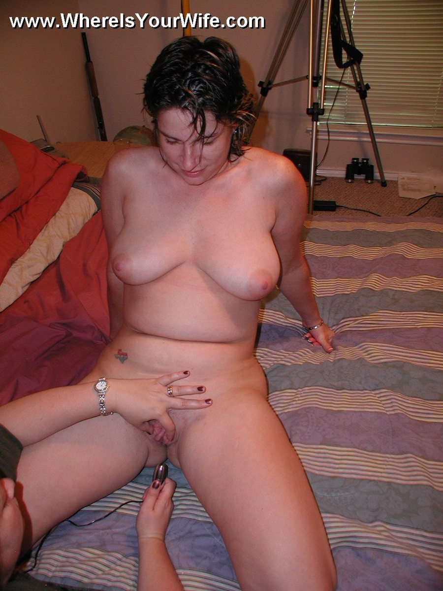 All sexy amateur plumper wife posing naked