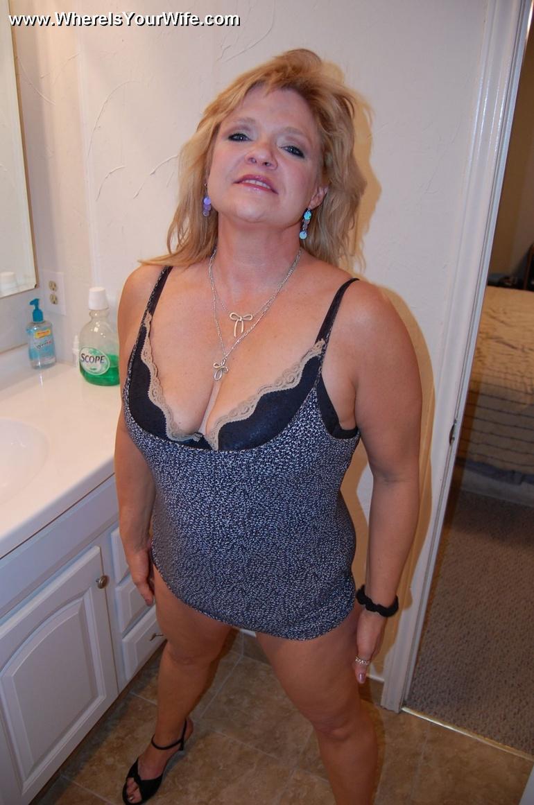 Chubby Blonde Riding Orgasm