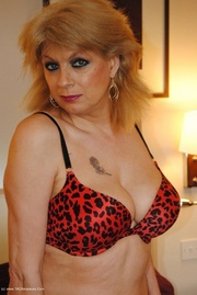 mature fingering dimonty from