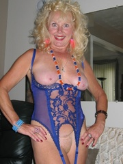 mature legs ruth from