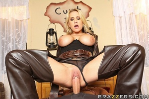 Alanah is a dirty, sexy Bounty Hunter an - XXX Dessert - Picture 9