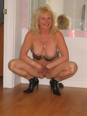 cougar cum-on-tits ruth from