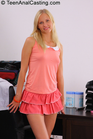 Hot blonde teen loves deepthroating and getting anally pounded. - XXXonXXX - Pic 2