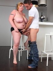 He dates a hot slender chick but he chooses to go home - Picture 9