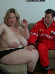 The horny BBW lets the car mechanic take her home and - Picture 6