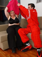 She gets him out of his mechanic outfit and he strips - Picture 4