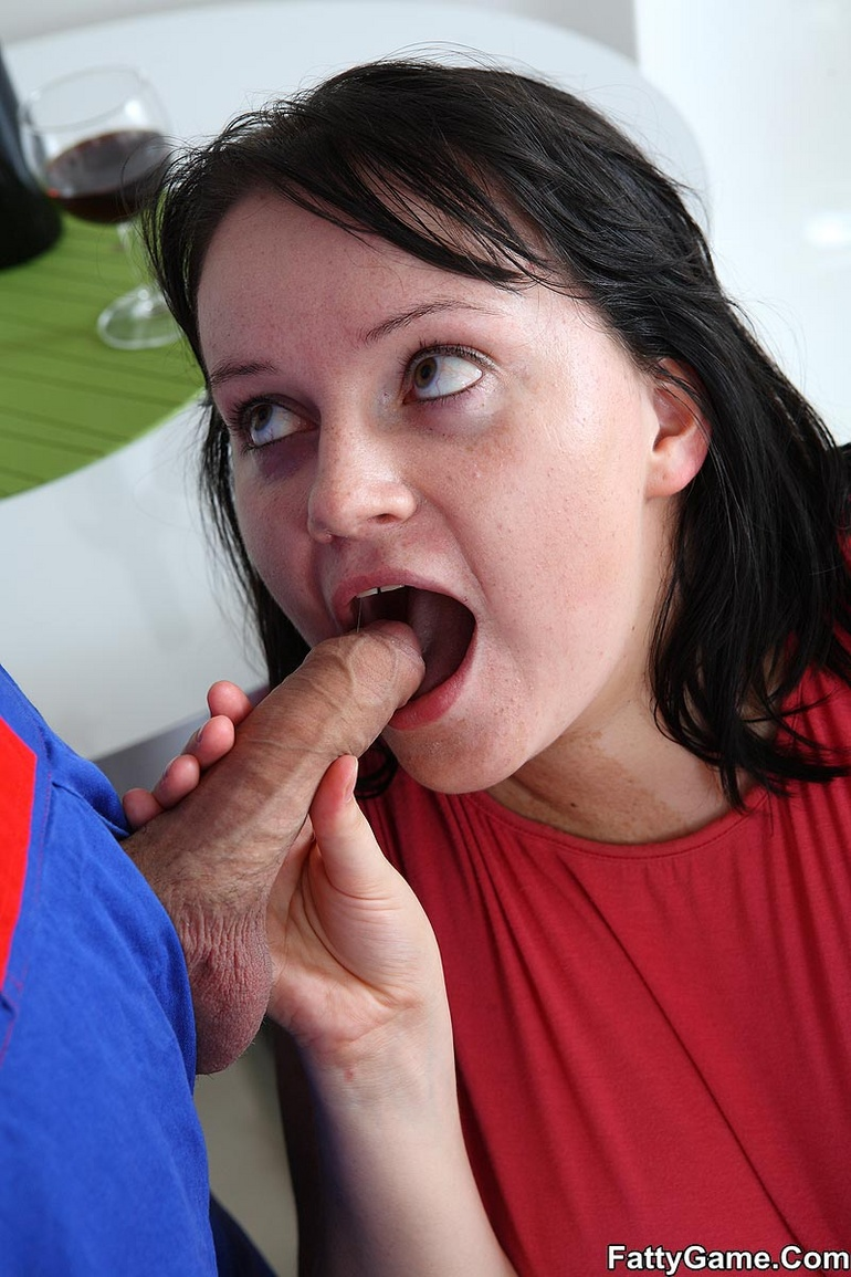 The simple seduction turns him on and the BBW babe wants - Picture 10