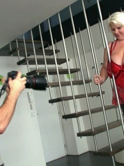 The photographer is seduced by the blonde BBW and their - Picture 4